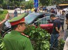Tin trong nước - Xe Mazda vừa bị phạt hơn 22 triệu đồng lại gây tai nạn, náo loạn đường phố Hà Nội