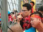 Tin tức - Hàng trăm CĐV áo đỏ bất lực vì có vé mà không được vào sân cổ vũ tuyển Việt Nam