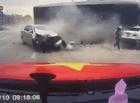 Tin tức - Vụ 2 bà cháu thoát chết thần kỳ trước đầu container: Chiếc xe lao như tên bắn sang đường