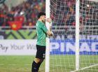 Tin tức - Video: Khoảnh khắc Văn Lâm ôm cột gôn khóc một mình sau trận đấu