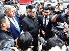 Tin trong nước - Bản sao của ông Kim Jong-un và ông Donald Trump bị vây kín trên phố Hà Nội
