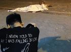 """Tin trong nước - Vụ nữ lao công bị """"xe điên"""" tông tử vong: Xót xa hình ảnh con trai gục khóc bên thi thể mẹ"""