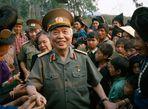 Những bức ảnh quý giá về Đại tướng Võ Nguyên Giáp - Ảnh thứ 8