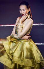 Thời trang & Làm đẹp - Thanh Hằng mê hoặc đầy quyền lực với đầm ánh kim