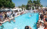 10 đại tiệc bể bơi nóng bỏng nhất thế giới