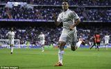 Real Madrid 3-0 Almeria: Thắng đậm trong nỗi buồn Ronaldo