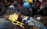 Động đất Nepal: Sống sót kỳ diệu sau 5 ngày bị vùi lấp