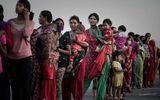 Sau động đất, trùm buôn người đổ xô tới Nepal