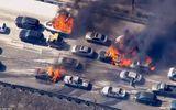 Cháy rừng lớn ở Mỹ khiến nhiều ô tô bốc cháy