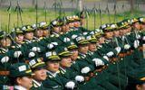 Nữ chiến sĩ đổ mồ hôi tập luyện diễu binh ngày 2/9