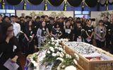 Đám tang đẫm lệ của nữ diễn viên bị đạo diễn cưỡng hiếp và giết hại