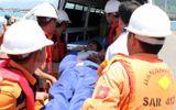 Thanh Hóa: Cứu vớt thành công 8 ngư dân gặp nạn trên biển