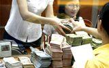 """Lãi suất tiền gửi tăng, thời cơ """"vàng"""" cho người dân gửi tiền"""