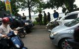 Lái xe biển xanh gây tai nạn ven hồ Tây