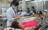 Đắp lá cây lạ chữa bỏng, một phụ nữ bị nhiễm trùng nặng