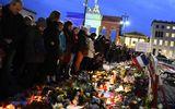 Truyền thông Mỹ: Vụ khủng bố Paris là do Edward Snowden
