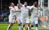 Benteke ăn vạ kiếm penalty, Liverpool thắng trận lịch sử 19 năm