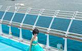 Jessica Minh Anh biến boong tàu Costa Luminosa thành sàn diễn