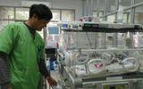 Trẻ sinh ở bệnh viện rất đông: Mẹ có dễ bị trao nhầm con?