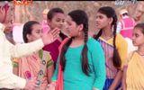 Cô dâu 8 tuổi phần 9 tập 7: Bà Kalyani đấu tranh bảo vệ mảnh đất xây trường học