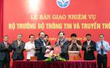 Bàn giao nhiệm vụ cho tân Bộ trưởng Trương Minh Tuấn