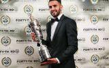 Riyad Mahrez đi vào lịch sử với danh hiệu Cầu thủ xuất sắc nhất mùa giải