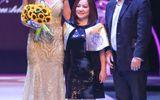 Nguyễn Oanh diện váy nặng 10 kg làm veddete cho NTK Quốc tế