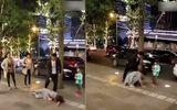 Bức xúc cảnh chồng đánh vợ dã man trên vỉa hè ngay trước mặt con gái