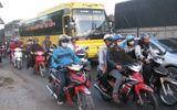 Hơn 7.000 vé thủ công đề phòng ùn ứ trạm thu phí Trung Lương