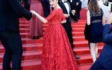 """Lý Nhã Kỳ sang trọng, lộng lẫy giữa """"rừng"""" ống kính trên thảm đỏ Cannes"""