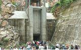 Nỗ lực vớt 3 thi thể chìm trong nước hầm thủy điện