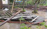 Thừa Thiên - Huế: Bão mạnh càn quét, nhà cửa tan hoang.