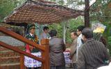 Cầu thang gỗ 103 bậc trước mộ Đại tướng đã hoàn thành