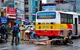 Hà Nội: Va chạm với xe buýt, một phụ nữ mang bầu tử vong