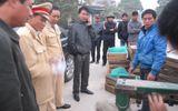Bắt xe khách chở nhiều rắn độc, CSGT bị hăm dọa