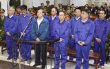 Mẹ Dương Chí Dũng đau xót làm đơn xin cứu xét cho con trai