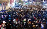 Hàng ngàn người đổ về dâng sao giải hạn tại chùa Phúc Khánh