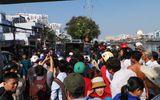 Hàng trăm người xem vớt xác dưới gầm cầu Kênh Tẻ