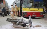 Đối đầu xe bus, xe máy bốc cháy, 2 người chết