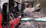 Xe khách tiền tỷ bốc cháy dữ dội sau khi đưa khách đi tour