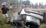 Ly kỳ 3 tên cướp taxi tai nạn lao xe xuống gầm cầu