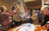 Trưng cầu dân ý ở Donetsk: Phe ly khai thắng lớn
