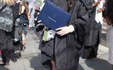 Thủy Top tốt nghiệp với tấm bằng xuất sắc tại Mỹ