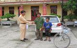 CSGT Quảng Bình giúp bé trai đi lạc gần 200km tìm về nhà