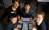 Chuyện học đường - Học sinh ở Úc sử dụng máy tính bảng như thế nào?