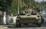 Thế giới 24h - Reuters: Binh sĩ Nga tiến sang Ukraine trên xe bọc thép