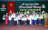 Trao 165 suất học bổng cho học sinh, sinh viên nghèo hiếu học