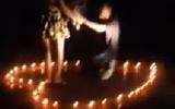 Giới trẻ - Clip: Cầu hôn bạn gái chưa đầy 1 phút trên bờ hồ