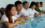 Xã hội - Clip: Khen thưởng vợ chồng cưu mang bé Kim Ngân
