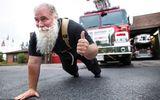 Chuyện lạ - Linh mục khỏe nhất thế giới phá vỡ 19 kỷ lục Guinness